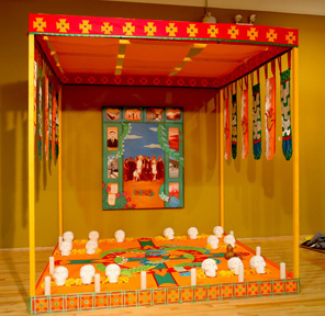 This installation commemorates the Chinese who were massacred in Mexico during the Mexican Revolution and weaves together imagery from Chinese and traditional Mexican traditions.